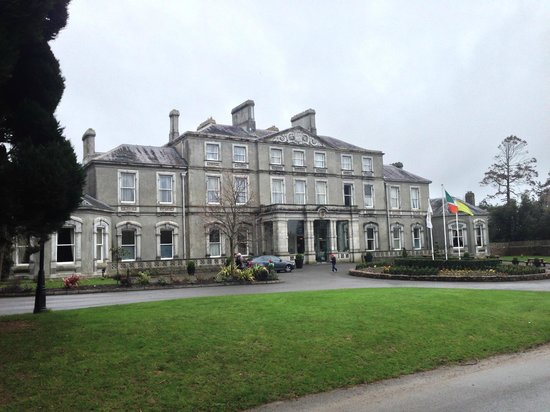 Faithlegg House Hotel & Golf Resort: Hotel Front during the day