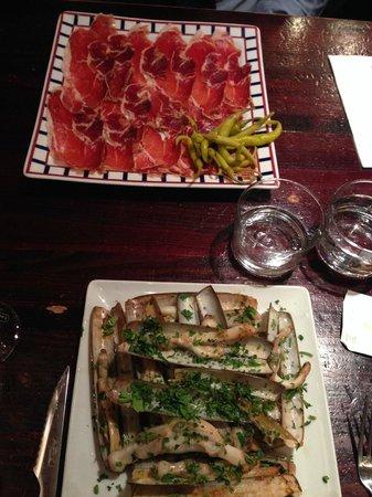 Chez kako : Jambon iberique et assiette de couteaux