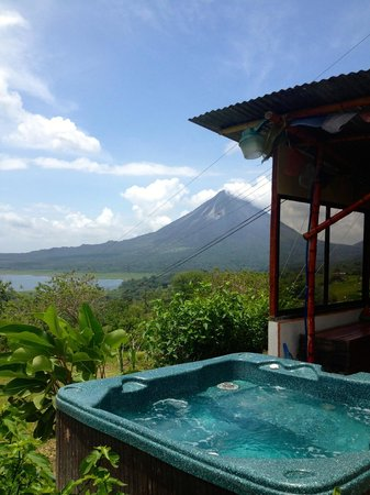 Essence Arenal Boutique Hostel : Whirlpool