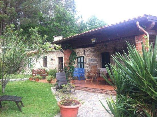 Casal de Folgueiras: Porche, terraza