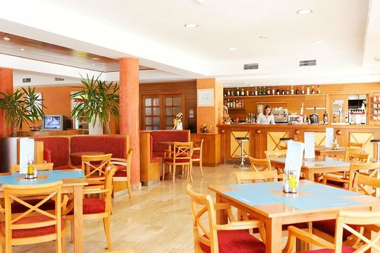 Isla Del Aire Apartments: Nuestro bar