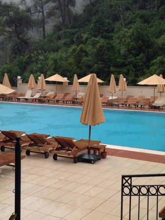 Julian Forest Suites: Pool view from our room��