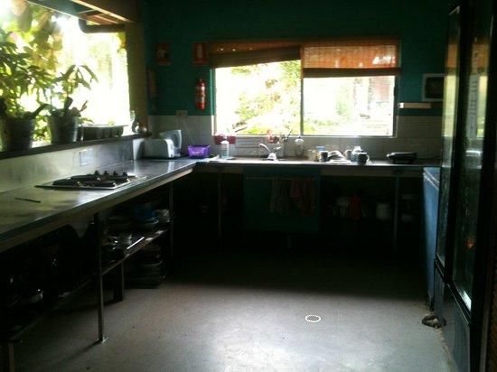 Mission Beach Retreat: Kitchen