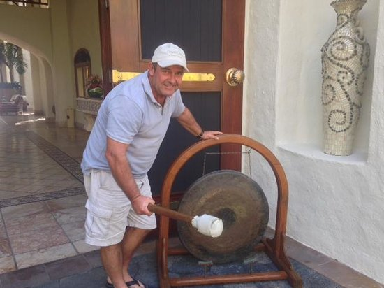 One&Only Le Saint Géran : This gong sounds when you arrive!!