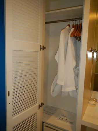 Hotel Innotel: Closet