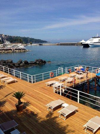 Grand Hotel Royal: Private beach/decking