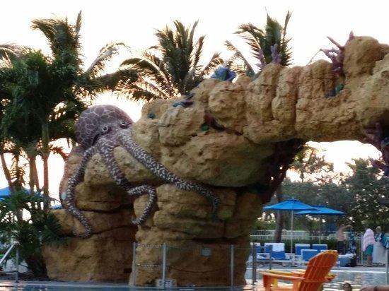 Pink Shell Beach Resort & Marina : Octopool