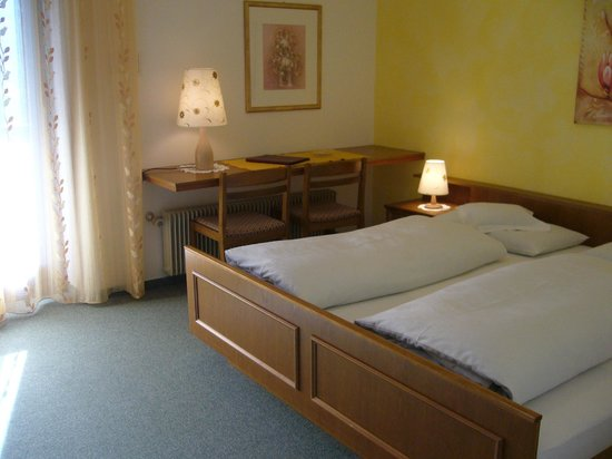 Hotel WASTL Albergo : Zimmer