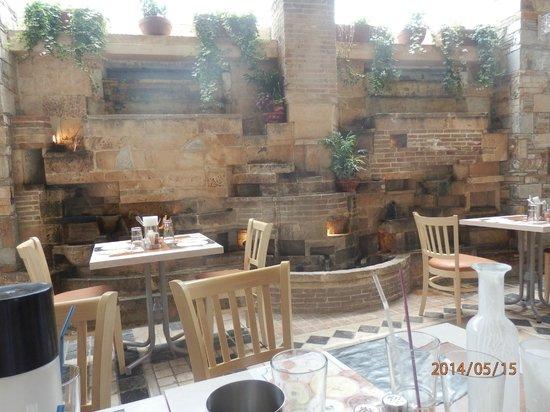 Savvas Roof Garden - Souvlaki & Kebab: outside eating