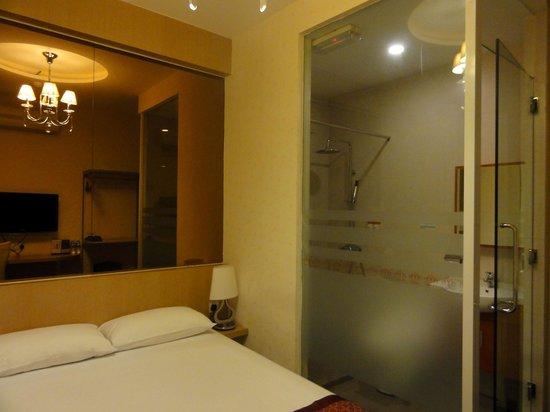 The Crown Borneo Hotel: ザ クラウン ボルネオ ホテル(部屋1)