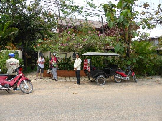 Pavillon d'Orient Boutique-Hotel : our tuk tuk drivers