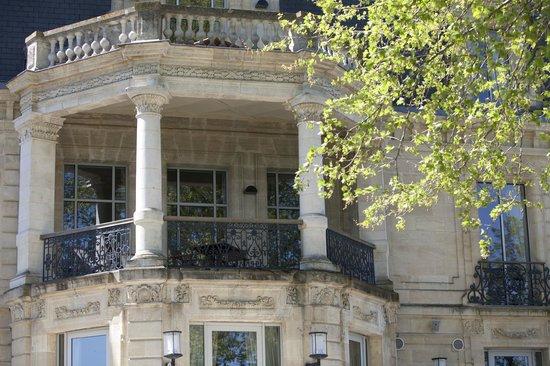 Chateau Grattequina: Terrasse Junior Suite