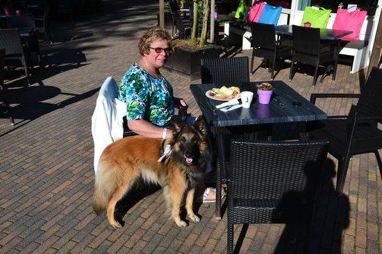 Hampshire Hotel - Mooi Veluwe: Heerlijk ontbijt op het terras