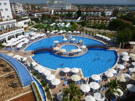 Side Prenses Resort Hotel & Spa: The view of the pool from our balcony