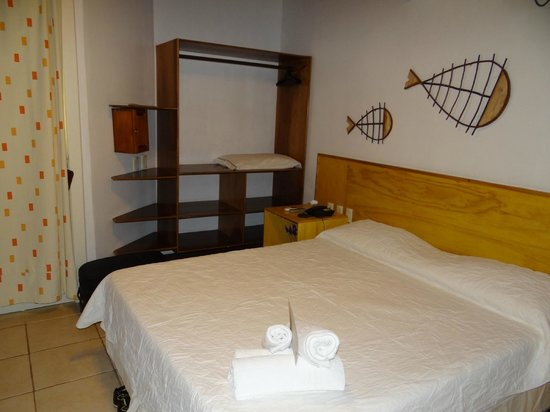 Karapitangui Praia Hotel: Chalé - interior