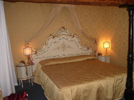 Hotel Rialto : номер