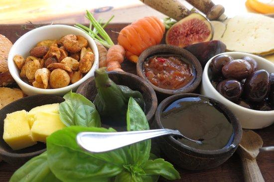 Black Oystercatcher : Cheese Platter