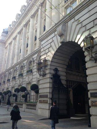 Rosewood London: Внешний вид отеля/въезд