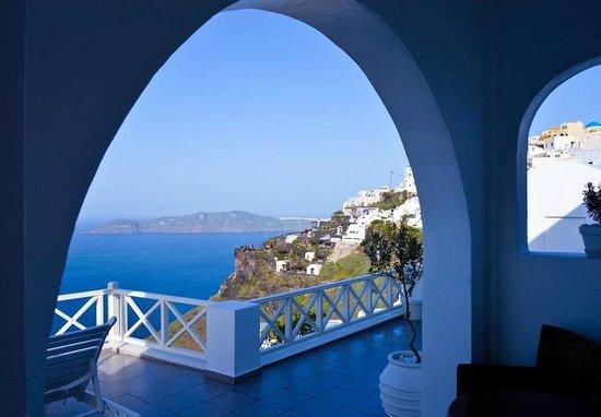 Avianto Suites: Вид с террасы