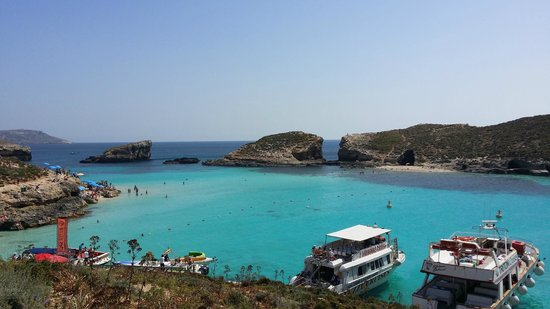 Hotel Fortina: The Blue Lagoon in Comino which must be visited by taking a day cruise excursion!!