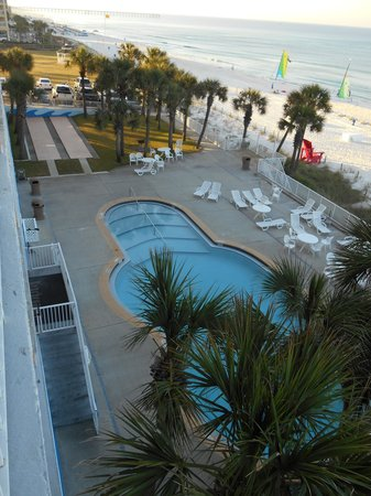 Beachcomber By The Sea : pool