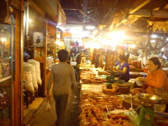 Central Market: на рынке