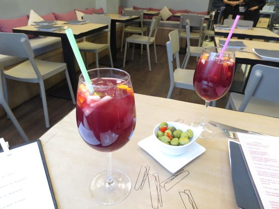 La Azotea: Great Sangria