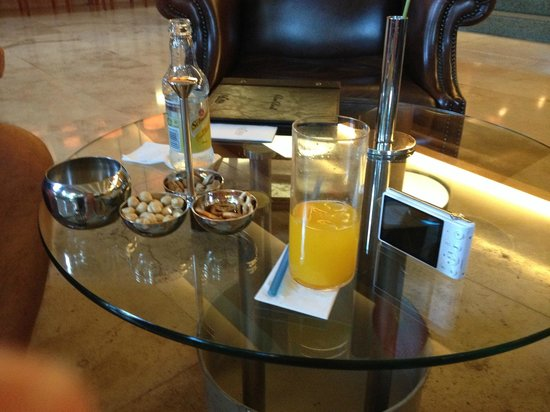 Gloria Serenity Resort: Nibbles with your drinks