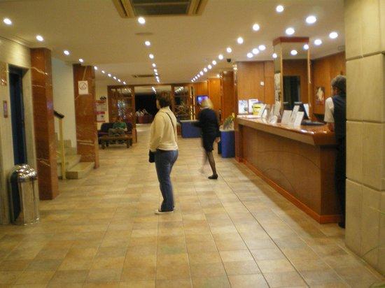 Hotel Roc Linda: reception