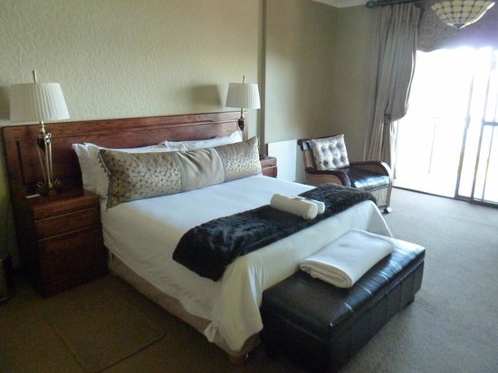 Stirling Manor Boutique Guest House & Conference Facility: Our suite