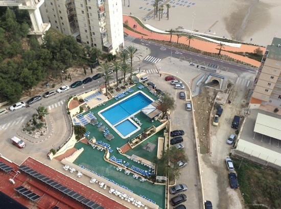 Hotel Poseidon Playa : view from the 17th floor looking down to the hotel pool.