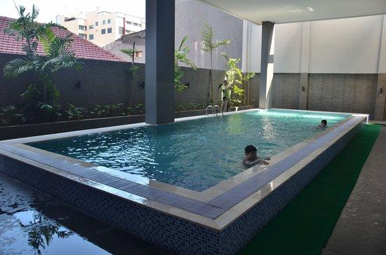 favehotel Daeng Tompo : Zwembad