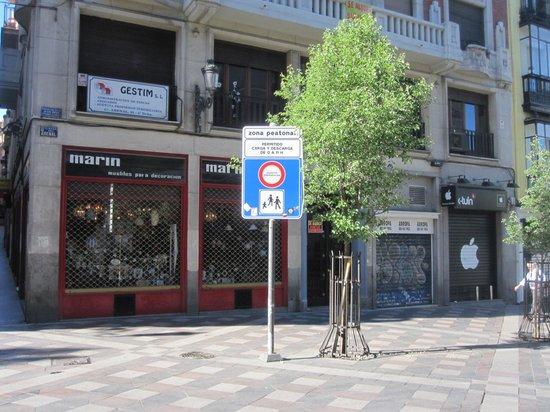 Luz Madrid Rooms: Street Corner for Luz street