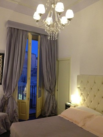 Antica Badia Relais Hotel: lovely room, impeccably clean and comfortable