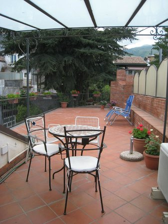 Villa Rosa  Etna Bed & Breakfast: private roof garden with Etna view
