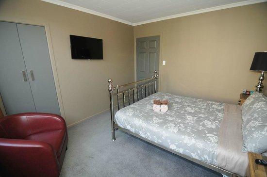 Designer Cottage: Room