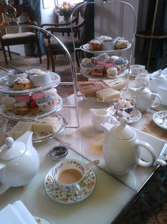 Restaurant at Summer Lodge: Delightful Afternoon Tea