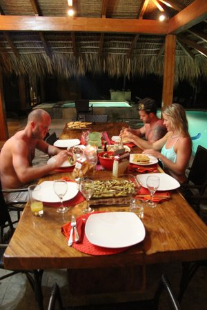 Mariposa Vacation Homes: beautiful dinner