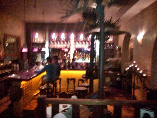 La Bodeguita: Bar