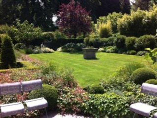 La Villa Carat : Jardin vu de la salle à manger