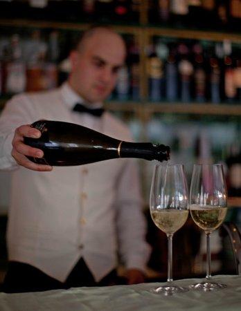 Villa Brunella: Bar