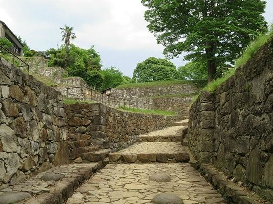 Kanayama Castle Remains: 大手虎口。城郭の出入り口です
