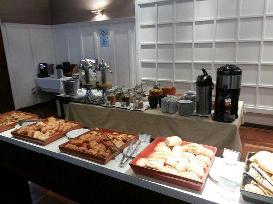 Mercure Sao Paulo Vila Olimpia Hotel: Café da manhã