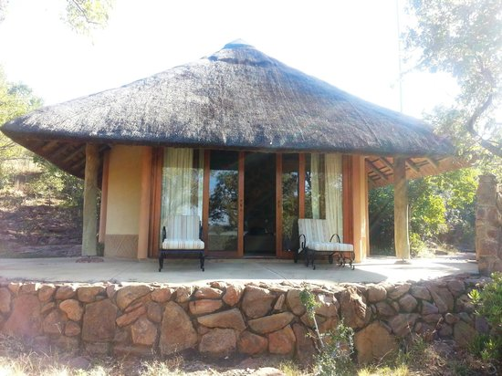 Ekuthuleni Lodge: Room 1 - welcoming