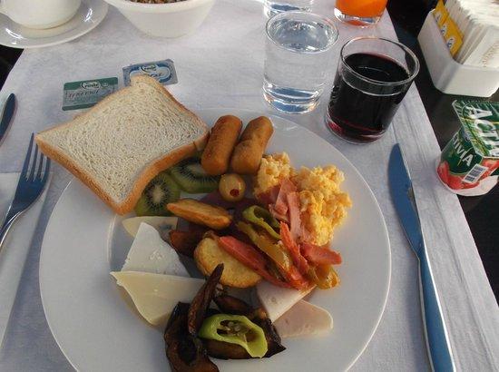 Breakfast at the Adamar Hotel
