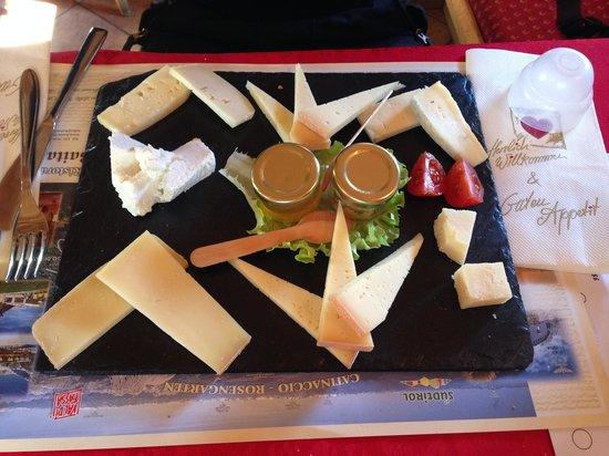 Baita Checco: un antipastino di formaggi