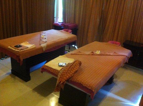 Bhu Nga Thani Resort and Spa: Oriental mood pour 2.