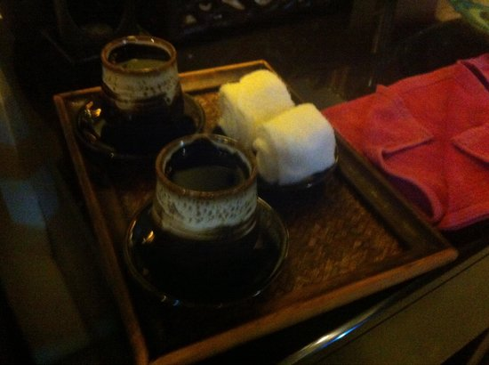 Bhu Nga Thani Resort and Spa : Mini serviettes rafraîchissantes à  l'essence de menthe poivrée pour le hammam