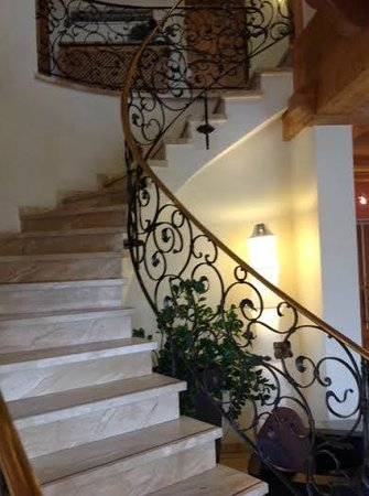 Hotel Restaurant Maier: Beautiful Staircase