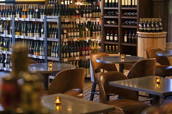 Toasted Oak Grill & Market : Wine Market